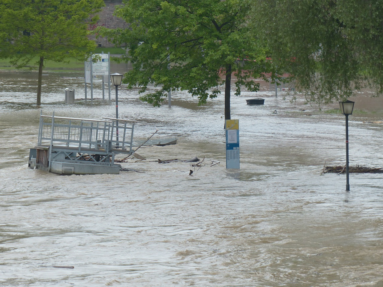 does renters insurance cover floods photo - 1